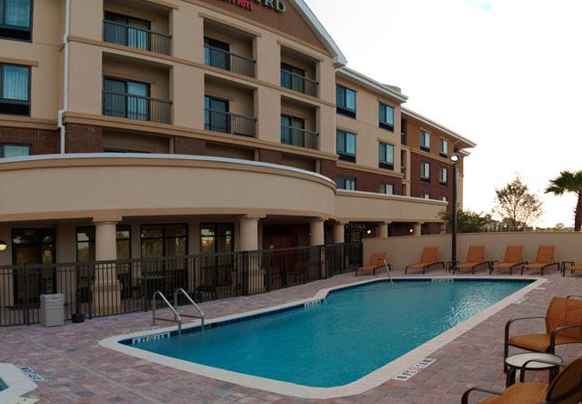 Courtyard -  I 295 E Beltway Town Pool